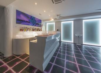 cafe bar and night club ice
